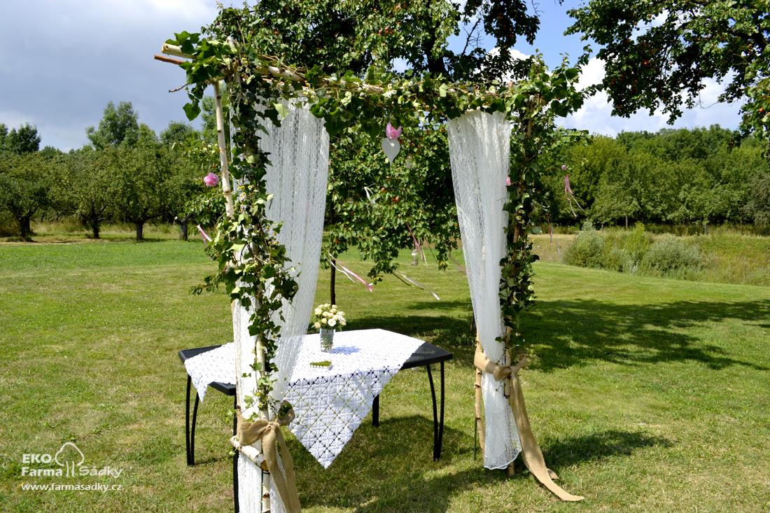 Svatba Ve Staroruzove A Prirodni Barve Inspirace Agropenzion Sadky